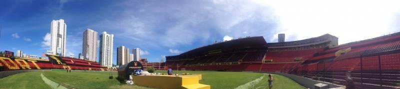 Estádio Adelmar da Costa Carvalho, mais conhecido como Ilha do Retiro (Foto: Alan Corrêa)