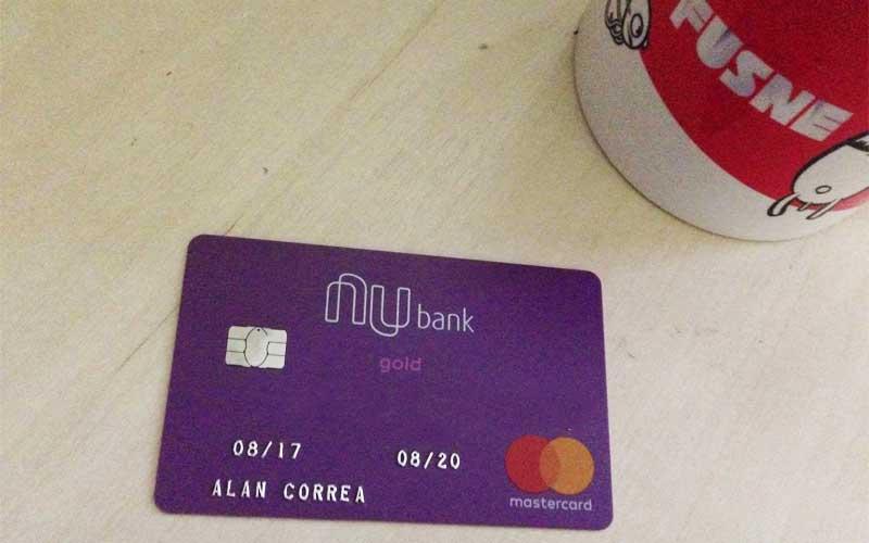 Estou usando o cartão de crédito Nubank e achei bastante confiável