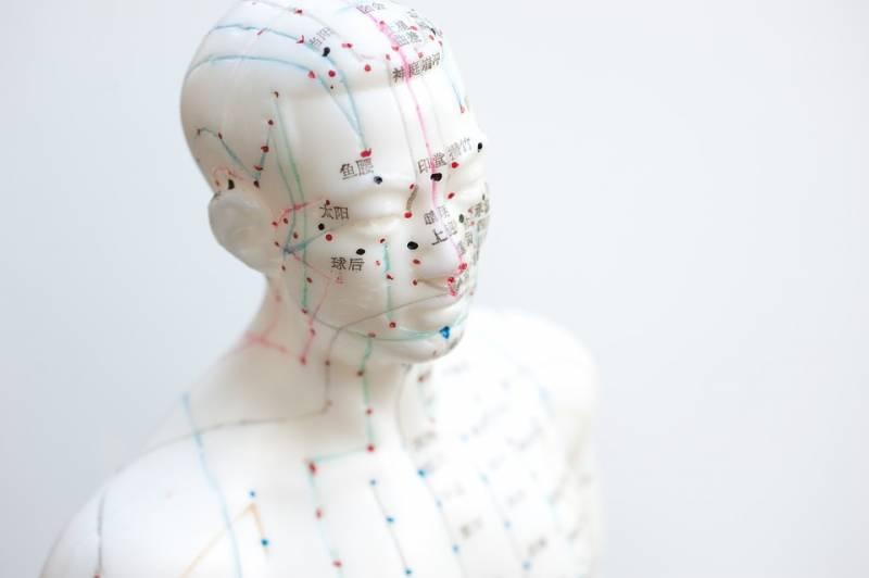 Como os pontos de acupuntura e a medicina natural trouxeram benefícios para minha vida